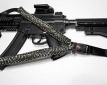 "550 Paracord Rifle Sling with Compass & Flint Firestarter Clasp 50"" Single Point Gun sling (Green Mix / Black)"