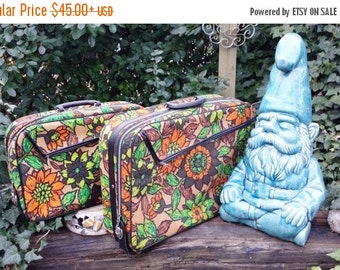 70s Luggage, Floral Suitcase, 70s Suitcase, Vintage Luggage, Vintage Suitcase, Carry On Case, Train Case