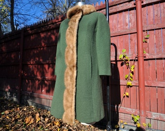 Vintage Green Wool Coat with Mink Fur Collar