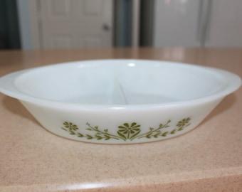 K5 Jeannette Glasbake Green Daisy Oval Divided Casserole Baking Dish J2352 Made In USA