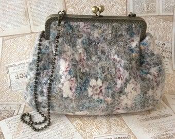 Felt bag 'Her winter elegance'