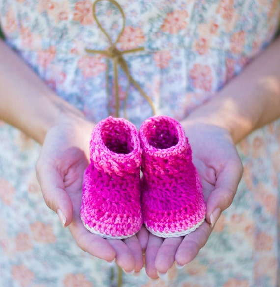 CROCHET PATTERN Crochet Baby Booties Cabble by CrobyPatterns