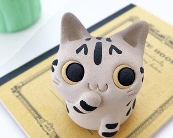 "Cat figurine of Ceramics ""A pretty small American short hair cat"" 猫 置物  工房しろ 日本"