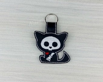 Kitty Cat Skelly Skeleton Keychain Key Ring Fob Halloween Party Favor Skellie Bones Steampunk