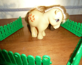 My Little Pony Butterscotch with fences