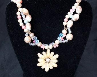 Yellow daisy necklace