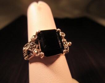 Vintage Sterling Silver Black Gemstone Ring - 7.5
