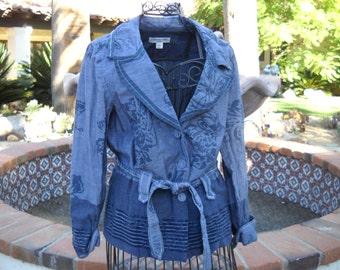 Coldwater Creek lightweight cotton madras jacket, Size 10, Gorgeous Indigo Blue floral print, figure flattering tie belt