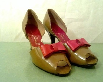 Vintage High Heel// Red Bow// Pumps// Size 6// 1950s/1960s