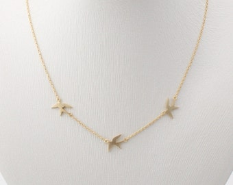Matt gold plated tiny 3 Swallow necklace, gold flying swallows necklace, bird necklace