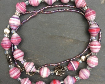 Light pink paper bead necklace