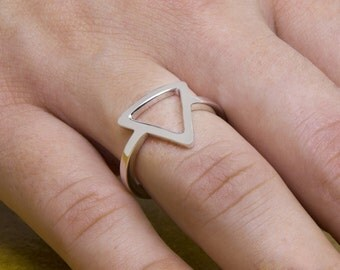 Line Triangle Ring, 9k0 Triangle Ring, Geometric Ring