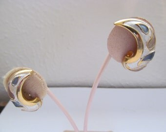 Vintage Pearlized Enameled Earrings - Clip On