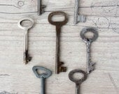 Old keys Vintage keys Skeleton key Rustic decor Steampunk key Industrial design Genuine vintage keys - set of 7