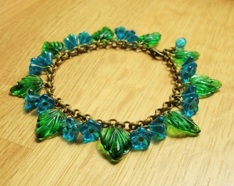 Deep turquoise flower bracelet, 30's, 40's inspired czech glass bracelet
