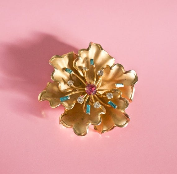 Mid Century Gold Tone Flower and Rhinestone Brooch
