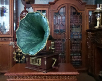 Phonograph gramophone in wood and metal miniature Dollhouse scale 1:12