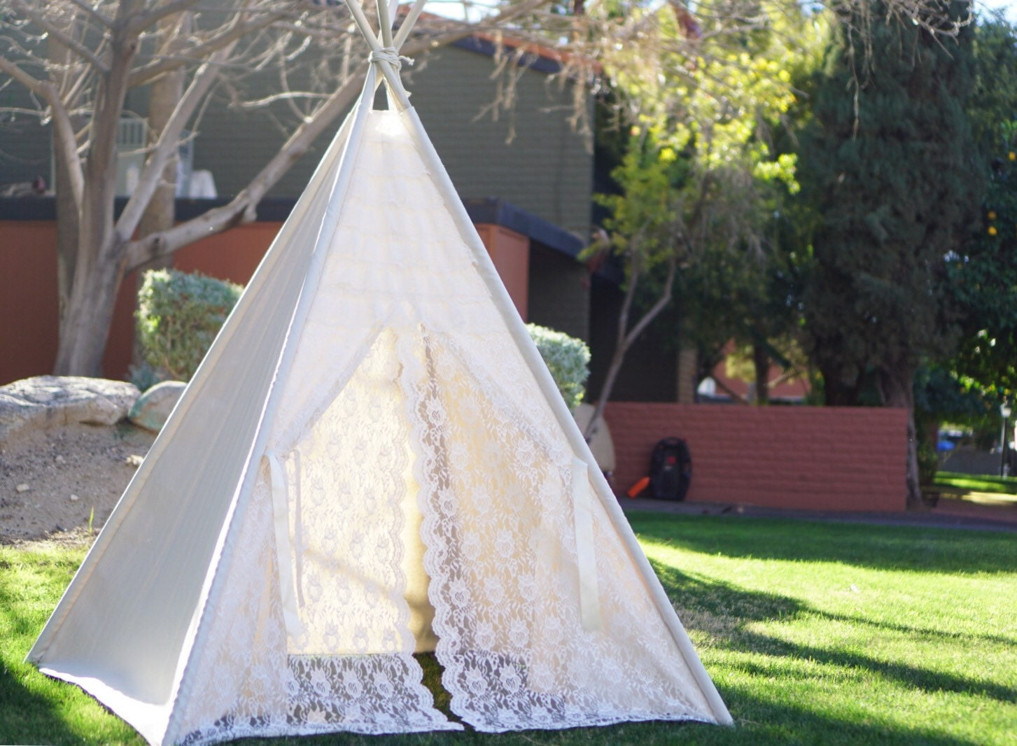 Glamour Lace teepee tent/kids teepee Play tent/ girls lace Tipi Wigwam or Playhouse ruffle photo prop tent & Glamour Lace teepee tent/kids teepee Play tent/ girls lace Tipi ...