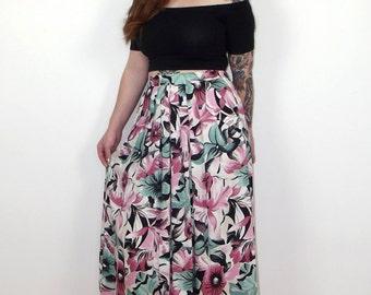 Vintage 1980s floral full midi skirt UK size 12