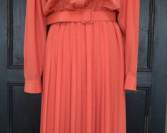 Vintage 1970's dress. Peach. UK size 10-12