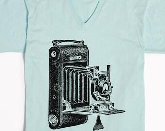 Camera T-shirt V-neck - Photographer Shirt - Vintage Camera - Photography Gift - Graphic Tee - Photographer Tshirts -  Unisex Vneck