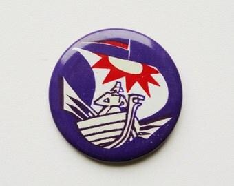 vintage Soviet pin pinback button badge cordon medallion token kids childrens fairytale story ship sailing viking sailor