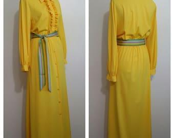 70's robe, L, XL, yellow robe, ruffled robe, 70's bathrobe, 70's hostess gown, hostess dress, yellow dress
