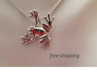 Sterling silver frog pendant, 92.5 sterling silver
