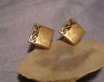 SWANK Cufflinks w matte Black Ess shape inlay on gold Finish - vintage Mid Century mens Formal Cuff Jewelry - browse Shop for vintage gifts