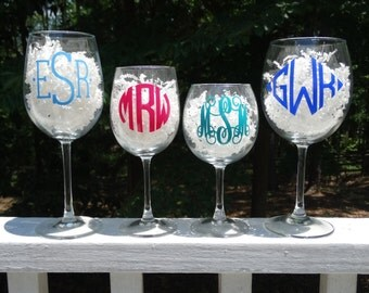 Personalized Monogrammed Wine Glass with Glossy GLITTERED Vinyl