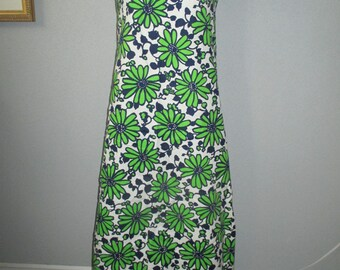 Vintage Bold  1970's  Flower Power Floral Daisy Print Maxi Dress Vibrant  Blue And Green On White Background
