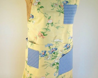 Women's Apron with Pockets for Kitchen Gardening Utility Handmade