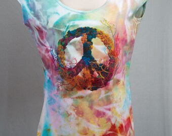 Tie-Dye T-Shirt with Psychedelic Peace Sign (women's M)