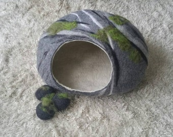 Large cat bed, XXL, for two or three medium cats, little and medium dog bed, felted cat house, stone with moss