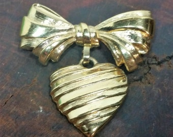 Avon Heart and Bow Brooch, Avon Sentiments Brooch, Avon Bow with Heart Brooch , Heart Brooch, Vintage Avon Signed Heart Brooch