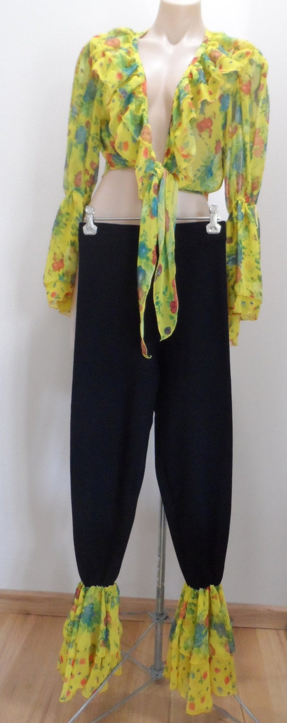 CARLING PARIS yellow floral ruffle top and matching ruffled stretch pants legging tights - Size XS-S - vintage