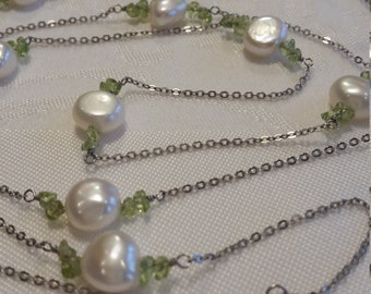 August birthstone: Sterling Silver Button Pearl and Peridot Station Necklace