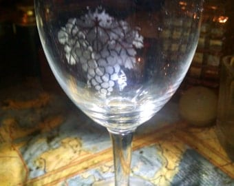 Grapes wineglass