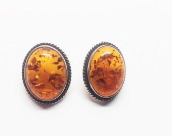 Vintage Amber earrings 7g