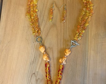 Yellow pendant necklace with earrings