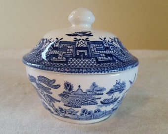 Blue willow sugar bowl