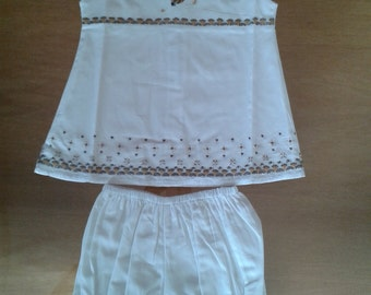 All baby girl, dress and bloomer cotton embroidered hand with friezes