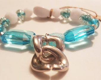 Blue and White beaded bracelet with Silver pendent
