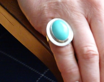 Turquoise Sterling Silver Ring (size 6 1/2) (B4)