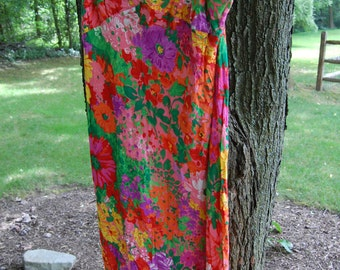 Vintage 1970s Bright Floral Dress (Size Small)
