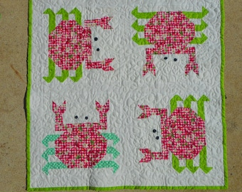 pdf pattern for Crabby Crab table runner