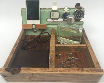 Wood Valet | Barn Wood Dresser Caddy | Reclaimed Wood Tray | Phone Dock | Men's Wooden Tray | Gift for Him | Barn Governor