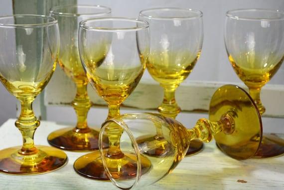 Libbey rock sharpe georgian pattern aperitifs yellow for Thin stem wine glasses