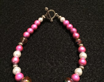 """7.5"""" Pink and White with Pink Variegated Glass Beaded Bracelet"""