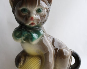 Vintage ROYAL COPLEY Gray Kitten with Ball of Yarn Pottery Planter